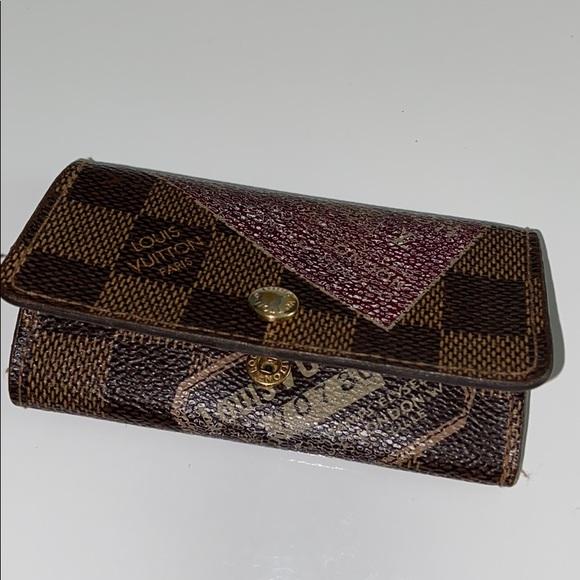 Authentic Louis Vuitton key case